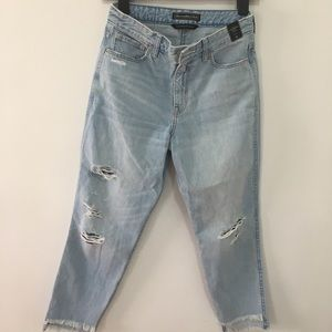Abercrombie& Fitch high waisted girlfriend jeans